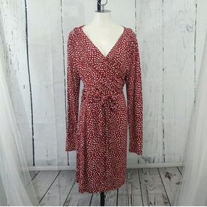 NWT Old navy wrap dress with heart pattern